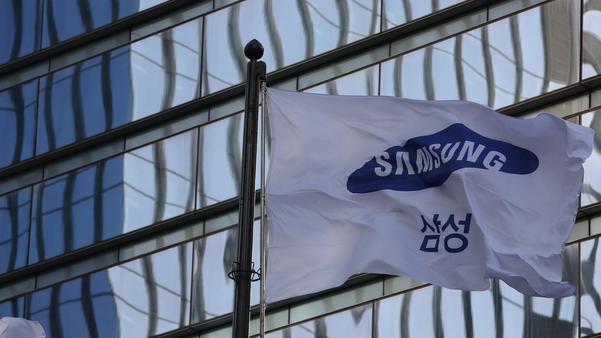삼성, 인텔 반도체 위탁 생산 계약…美 매체 보도