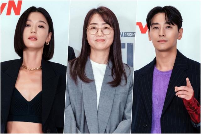 [종합] '지리산', 새롭게 열린 김은희 월드 속 전지현X주지훈의 '찐 케미'